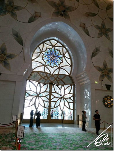 sheikh rashid mosque door