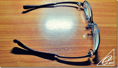 眼鏡 置き方