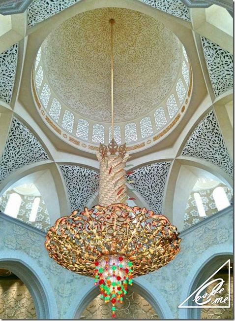 sheikh rashid mosque_chandelier