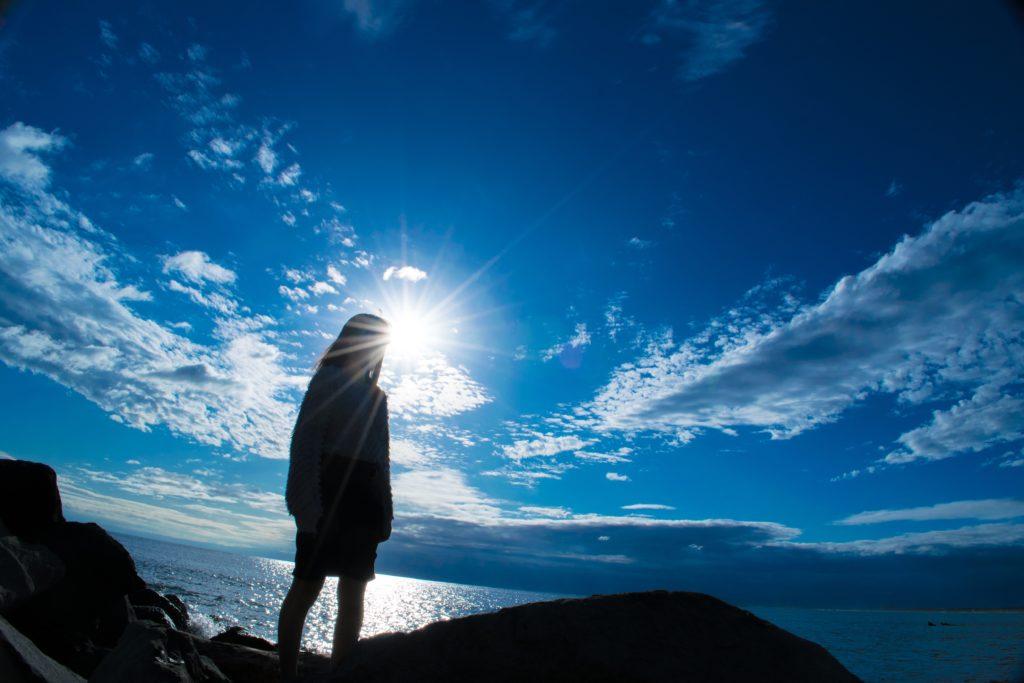 太陽・日光を見ると、くしゃみが出る不思議と当事者の実体験談