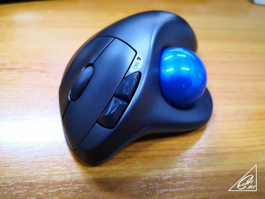 ロジクールのM570トラックボールマウスは会社で使え!肩こり改善に効く