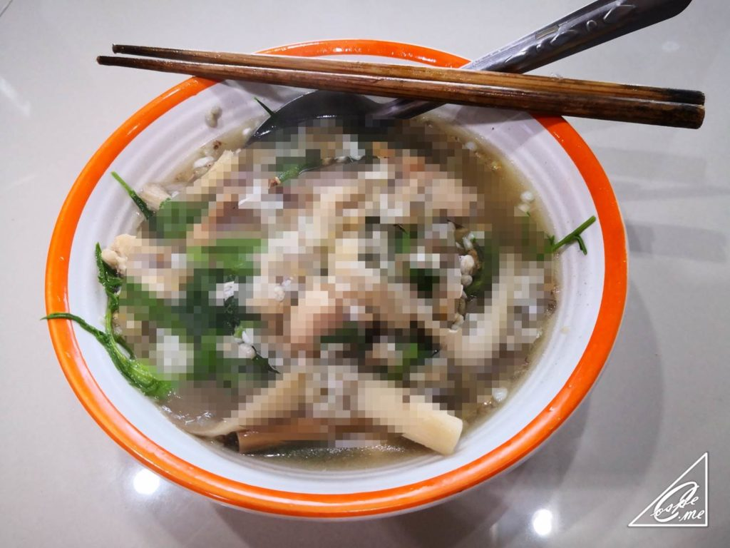 【昆虫食デビュー】赤アリの卵カイモッデーンのスープを食べる